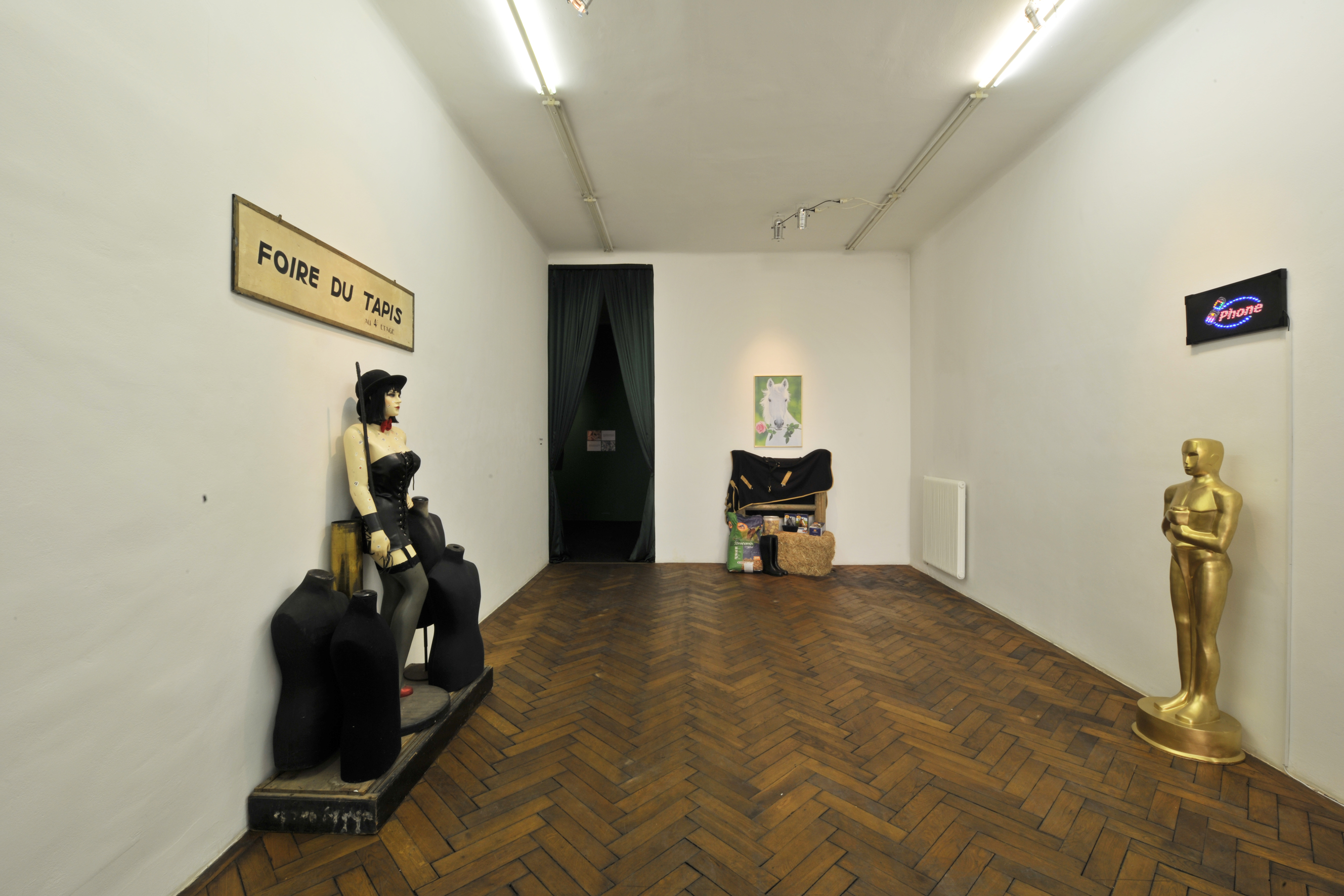 exhibitions guillaume bijl galerie hubert winter. Black Bedroom Furniture Sets. Home Design Ideas